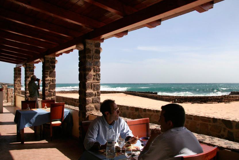 'Ca da Mosto' Restaurant, face à la mer, à Pedra de Lume