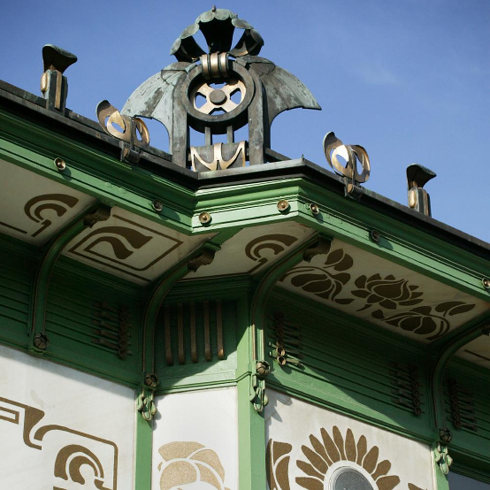 Pavillon au Karlsplatz du métro de Vienne par Otto Wagner