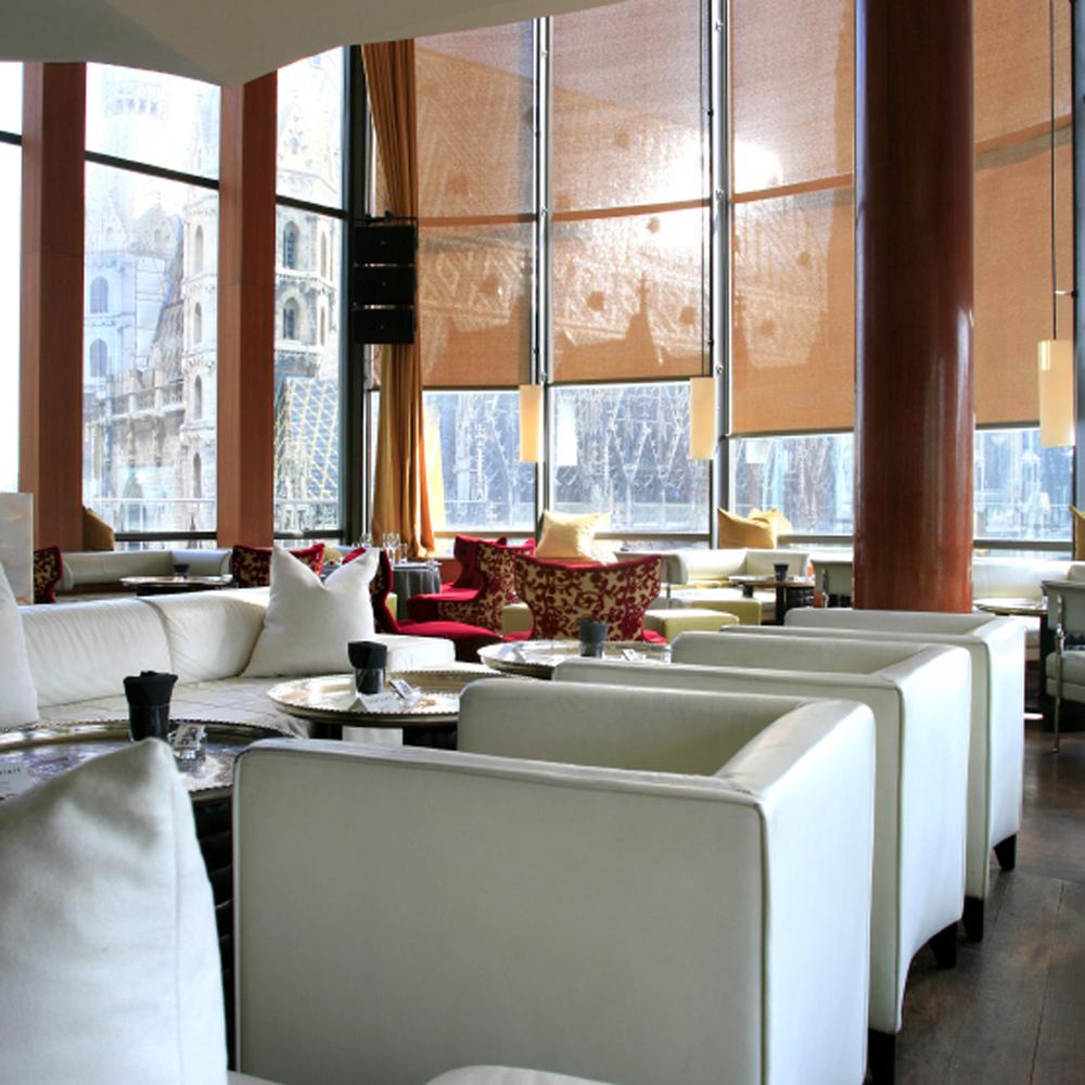 Restaurant du Do&Co, vue sur la cathédrale St-Etienne