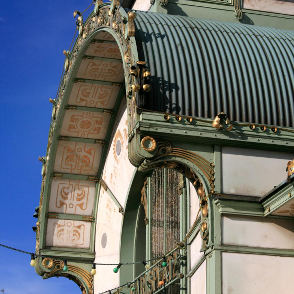 Pavillon Karlsplatz du métro de Vienne par Otto Wagner