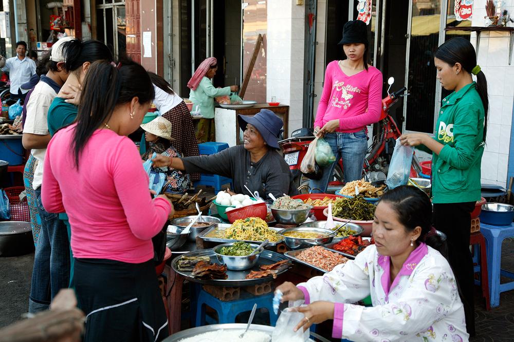 Les petits marchés de rue improvisés non loin du Quai Sisowath