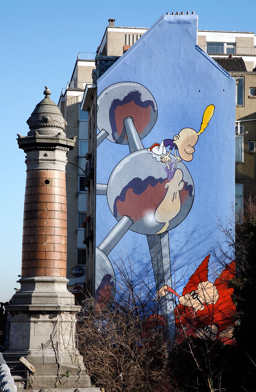 Mur peint à Laeken, Titeuf et l'Atomium, quel hommage !