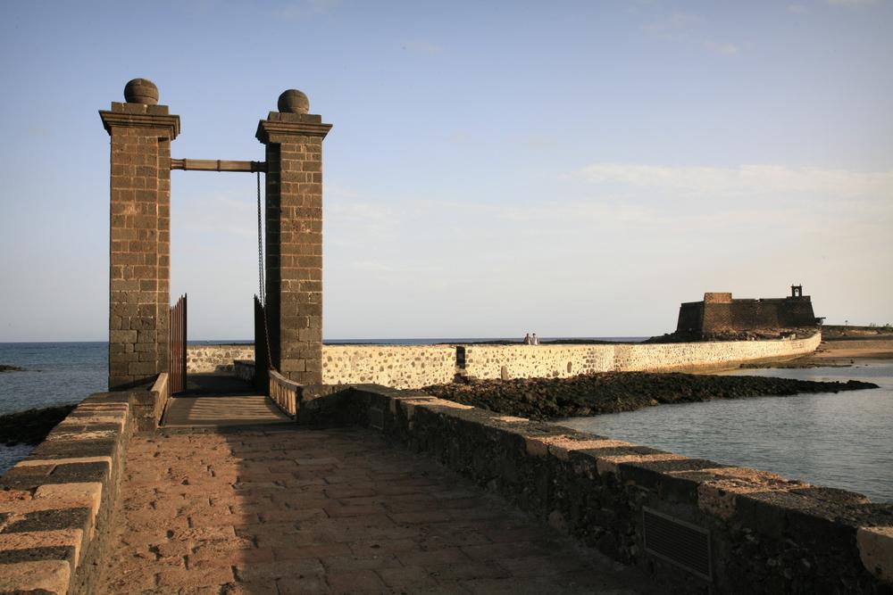 Pont conduisant au fort de San Jose, Arrecife, Lanzarote
