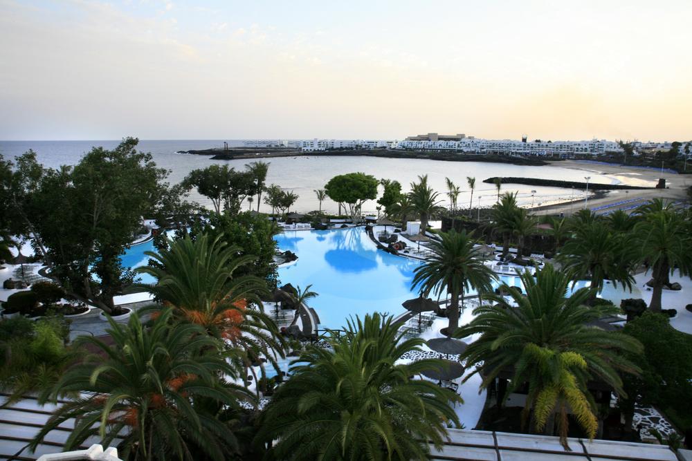Couchant sur Gran Melia Salinas Hotel, Costa Teguise