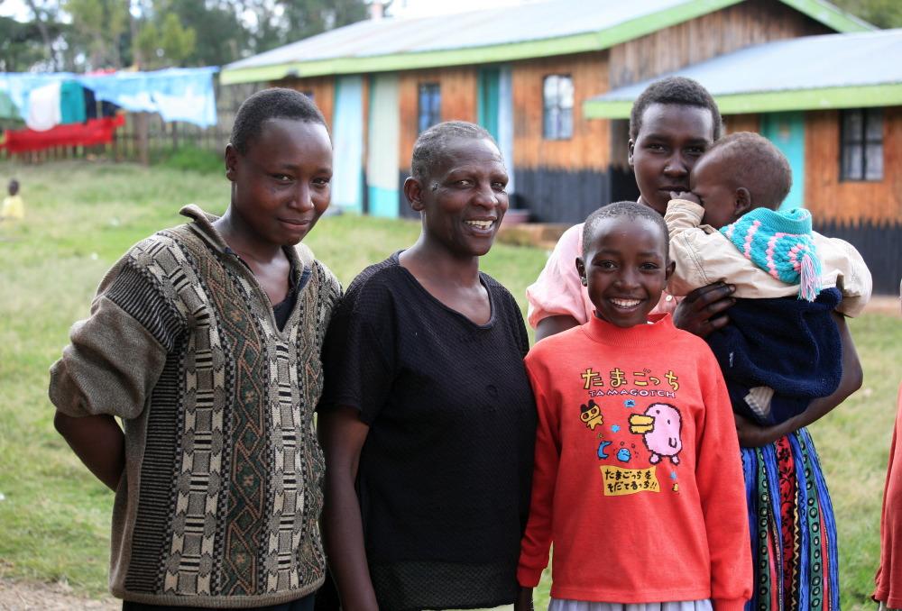 Sur la route, rencontre d'une famille Londiani Kalenjin