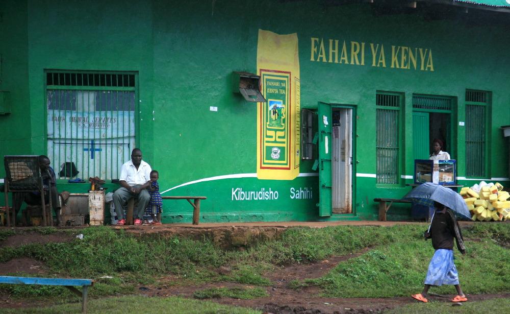 Sur le bord de la route, vallée du Rift