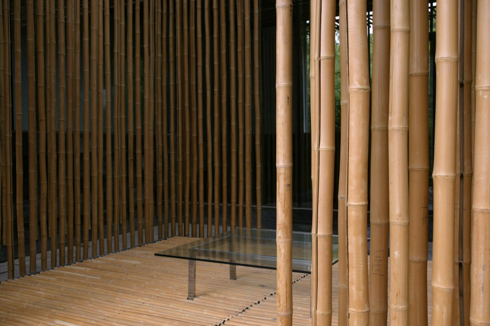Bamboo Wall by Kengo Kuma (Japanese Architect) in the Walnut Valley at  the 'Commune by the Great Wall' by Kempinski