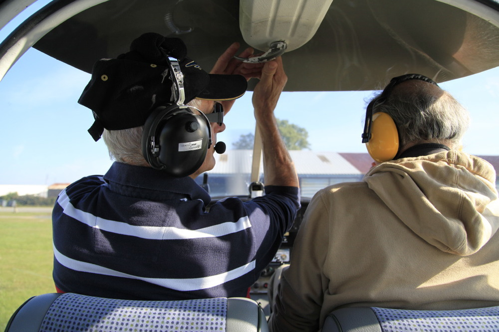 Aérodrome du Blanc. Fermez le cockpit...