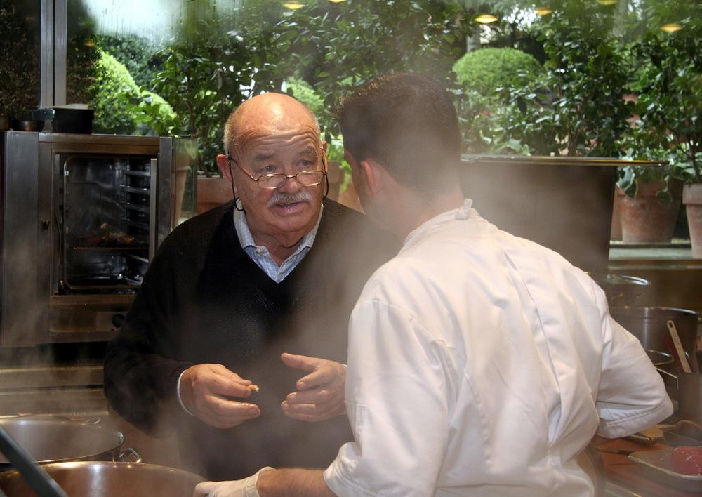 Papa Troisgros, en cuisine, par les papilles alléchées...