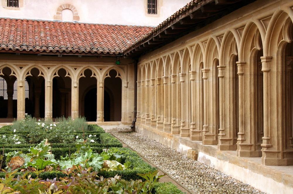 Couvent de l'abbaye bénédictine de Charlieu