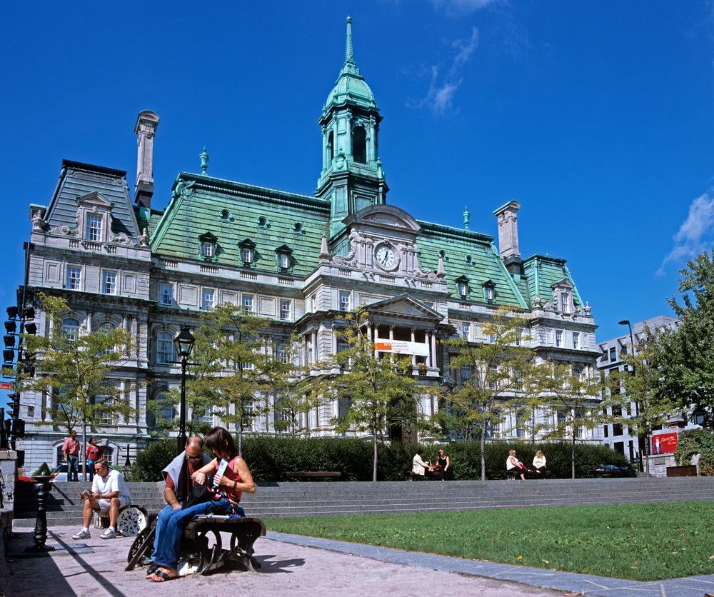 L'ancien palais de Justice à côté de l'hôtel de ville, Vieux Montréal