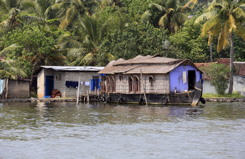 Houseboat sur le lac Ashtamudi, en route vers les backwaters, Kollam, Kerala