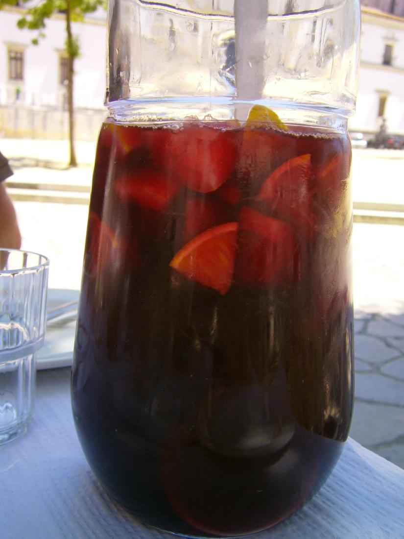 Un litre de Sangria rouge ou noire ?