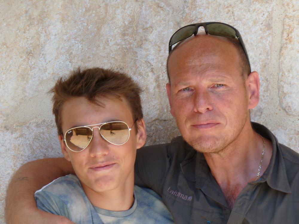 Nathan et mon mari, Jean-Luc au monastère des Hiéronymites, Lisbonne