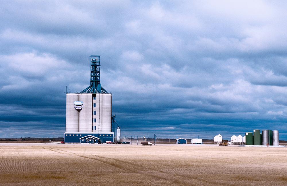 """Silo à grains à """"Qu'Appelle"""", Saskatchewan © JJ Serol"""