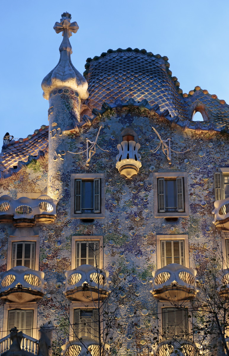 La Casa Batllo illuminée la nuit © JJ Serol