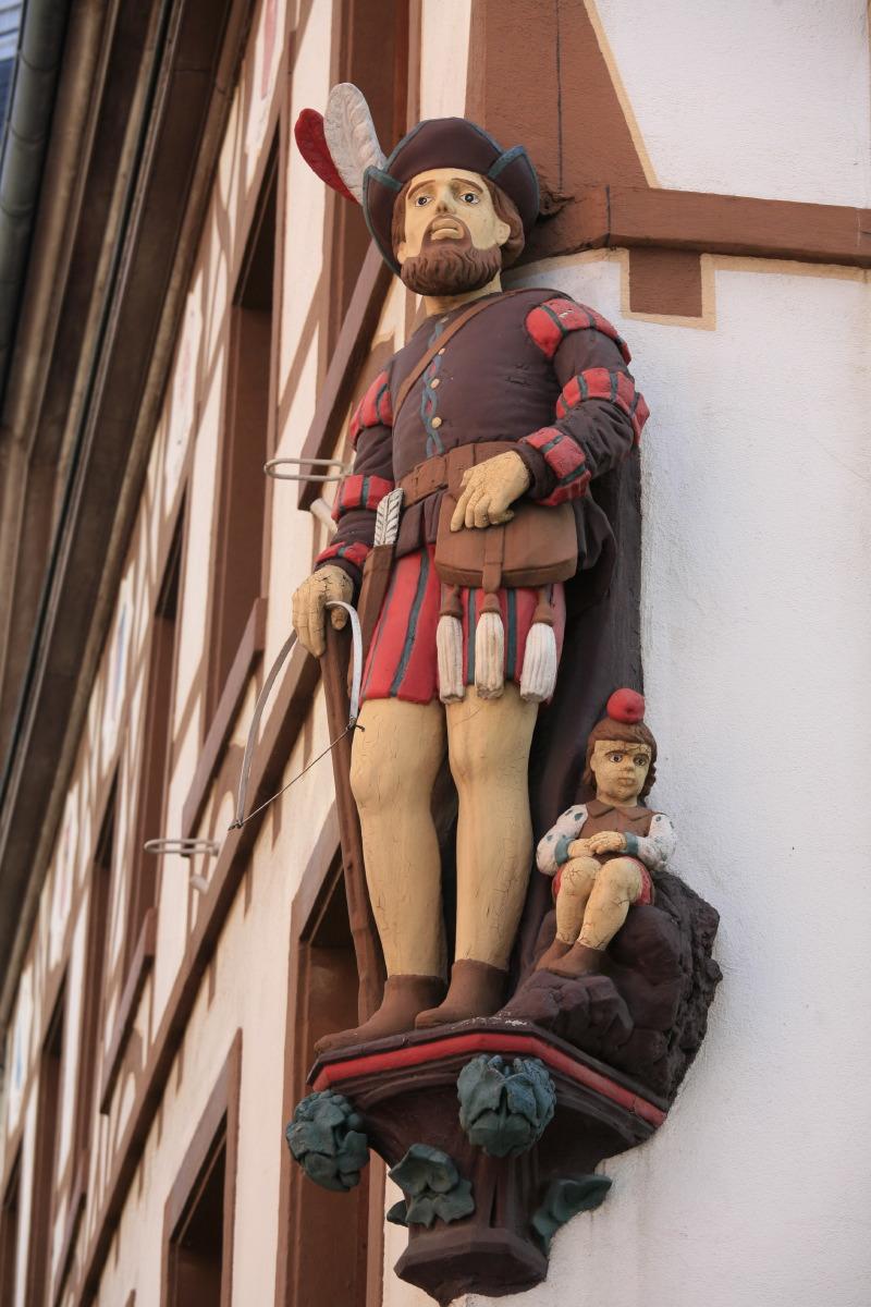 Guillaume Tell (maison et taverne), à deux pas de la Place de la Réunion (Grand Place)
