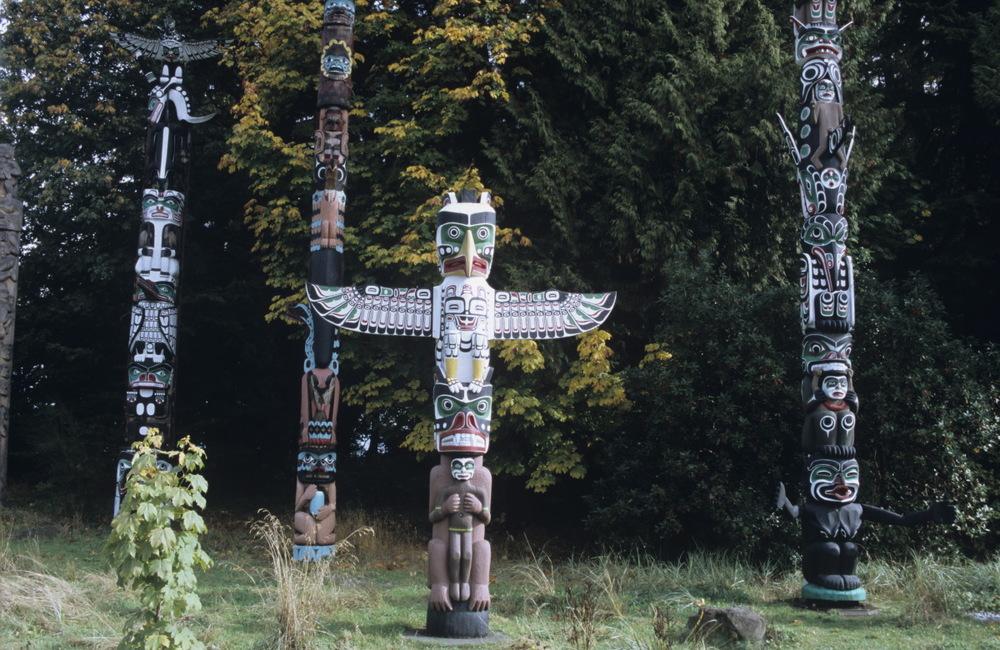Totems des Premières Nations à Stanley Park