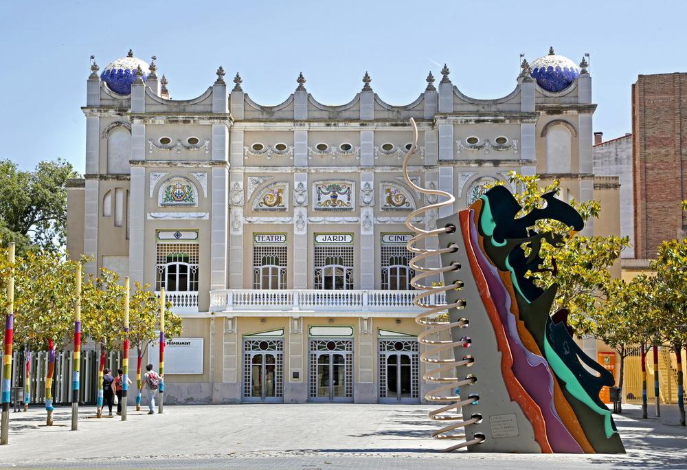 Théâtre 'El Jardi' près de la Ramblas de Figueras