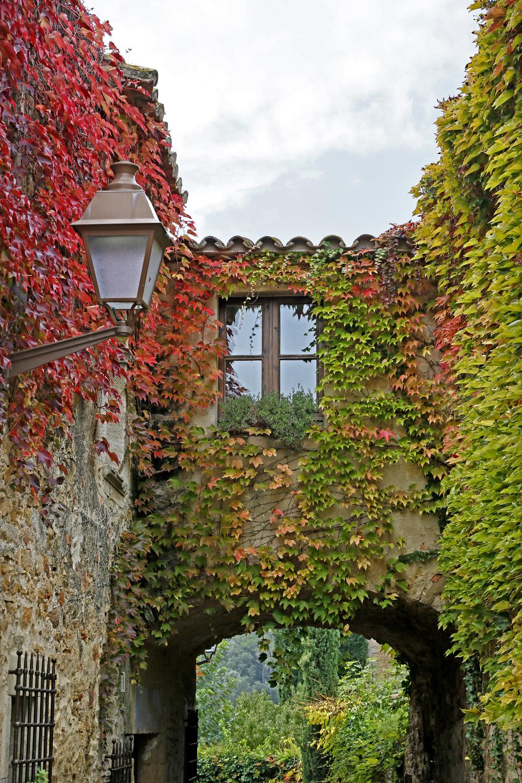 Dans le village médiéval de Peratallada