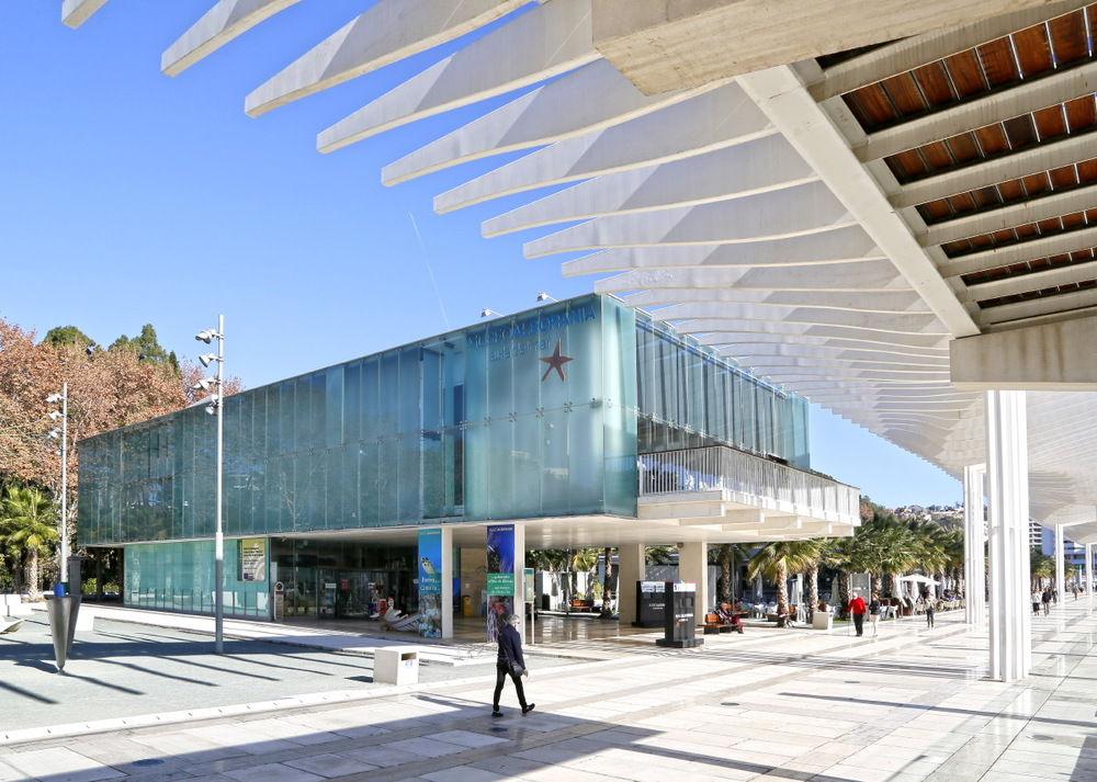Sous le Paseo del Muelle Dos (Port), Malaga