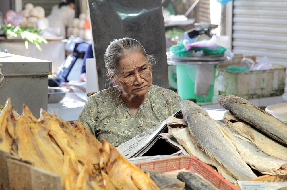Le marché de Ben Thanh, de jour...