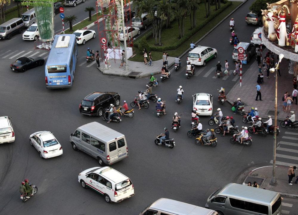 La fascinante ronde d'un trafic anarchique