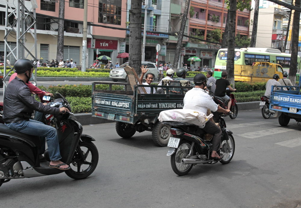 Le long de Nguyễn Huệ, l'ex-boulevard Charner