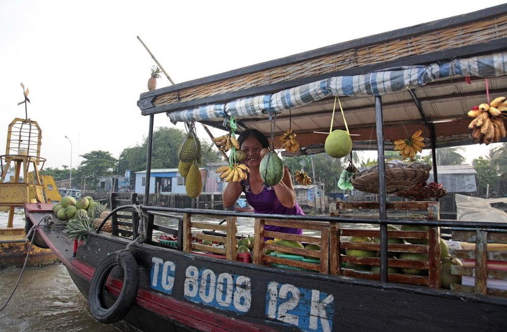 Bateau-restaurant sur les marchés flottants