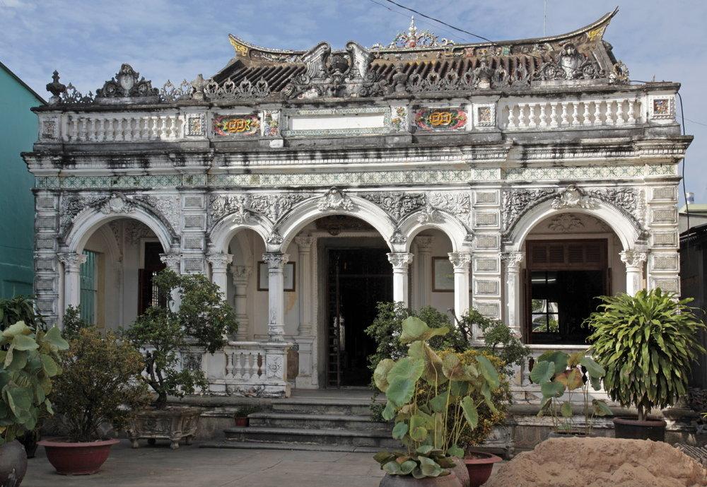 "Le ""palais bleu"" de Huynh Thuy Lê"