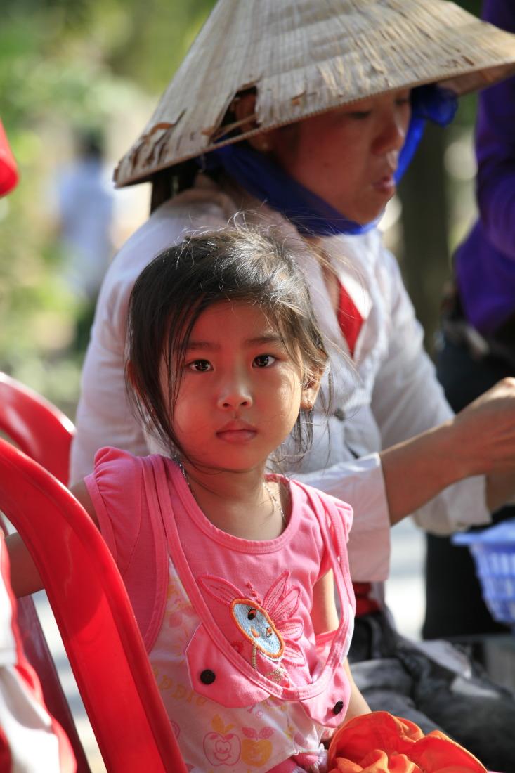 Chouchou et la pause nems sur la route de Badong