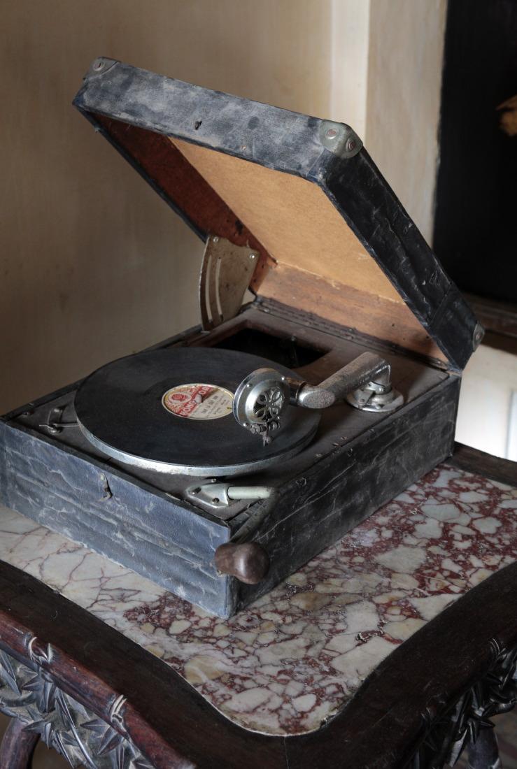 Objet culte, le phonographe de l'Amant, SaDec