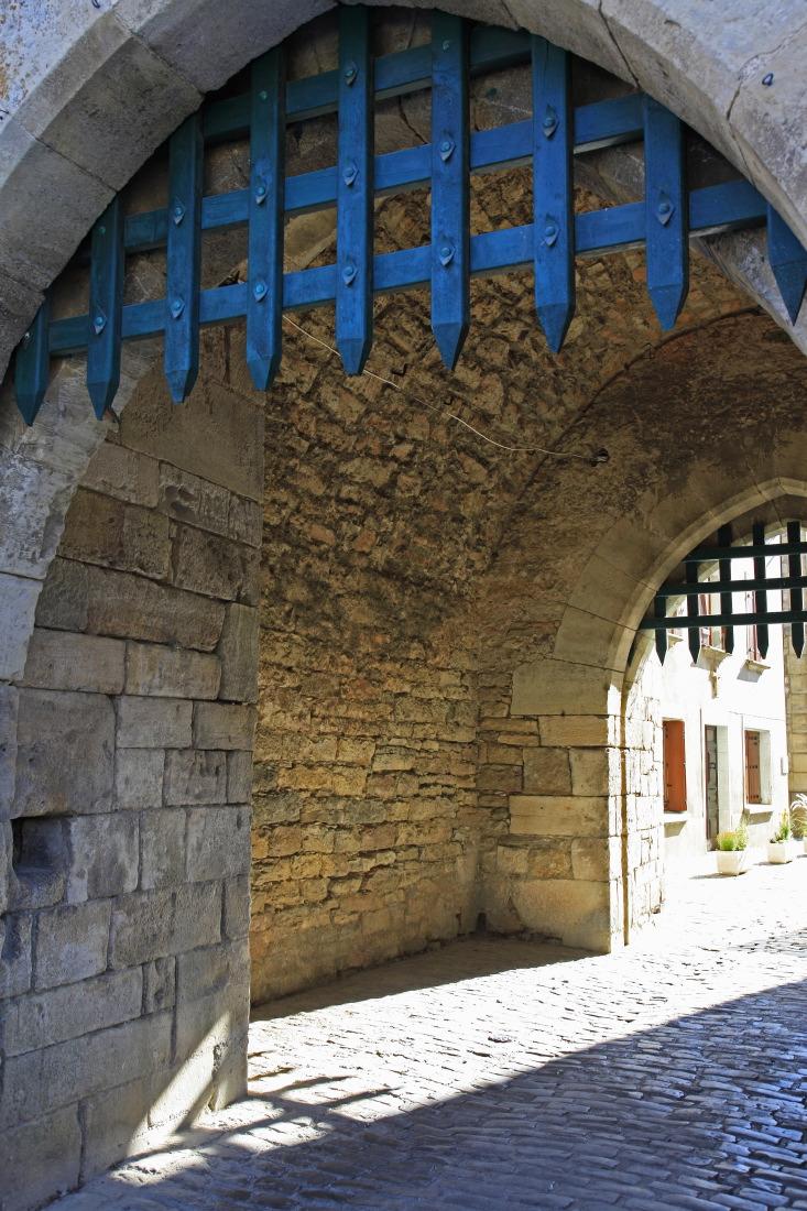 Villeneuve d'Aveyron, le charme médiéval des herses