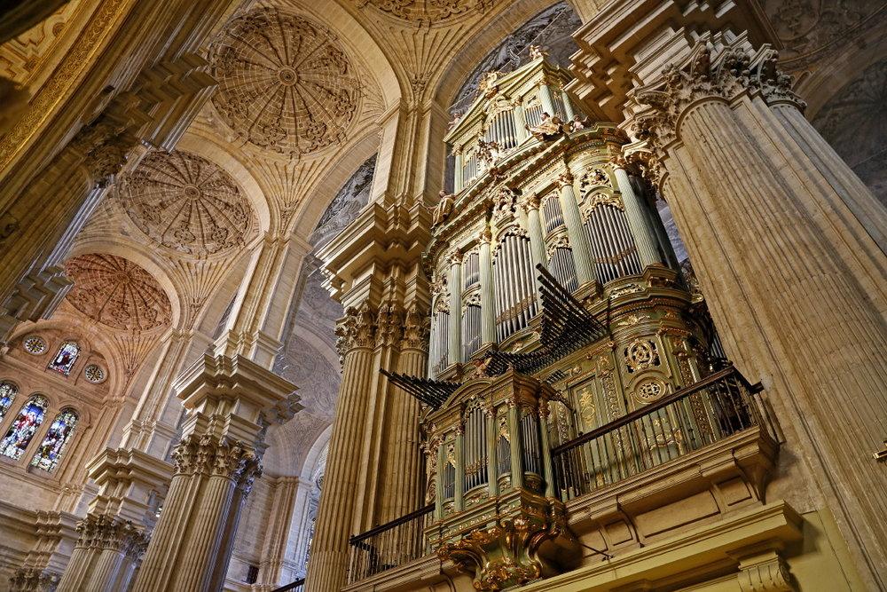 A l'intérieur, l'orgue de la Manquita