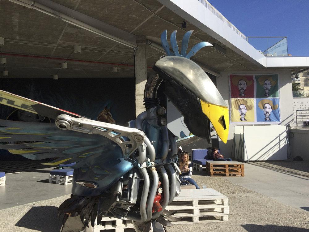Les jeunes artistes et le street art s'expose à Muelle Uno