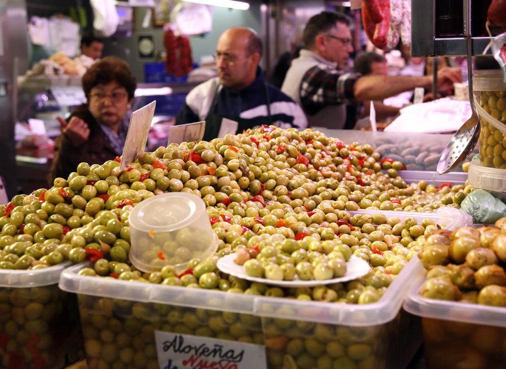 Mercado Central de Atarazanas, une orgie d'aceitunas!