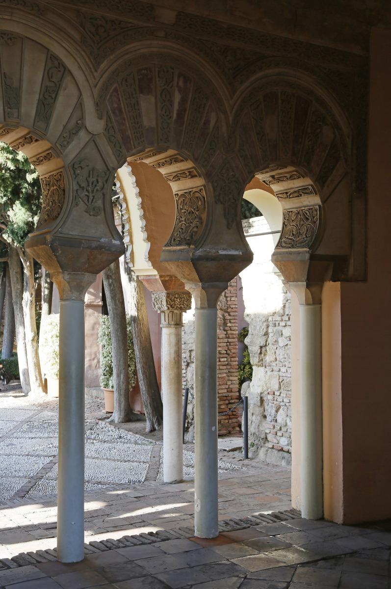 Dans la fraîcheur de l'Alcazaba