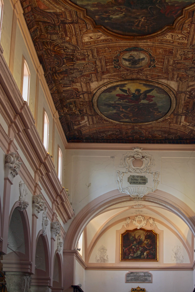 L'intérieur de la cathédrale de Vieste