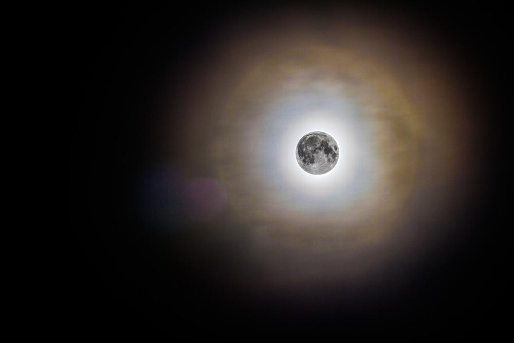 Ali-Barqawi-Studios-Super-Moon-Lunar-Eclipse-Bahrain-2015