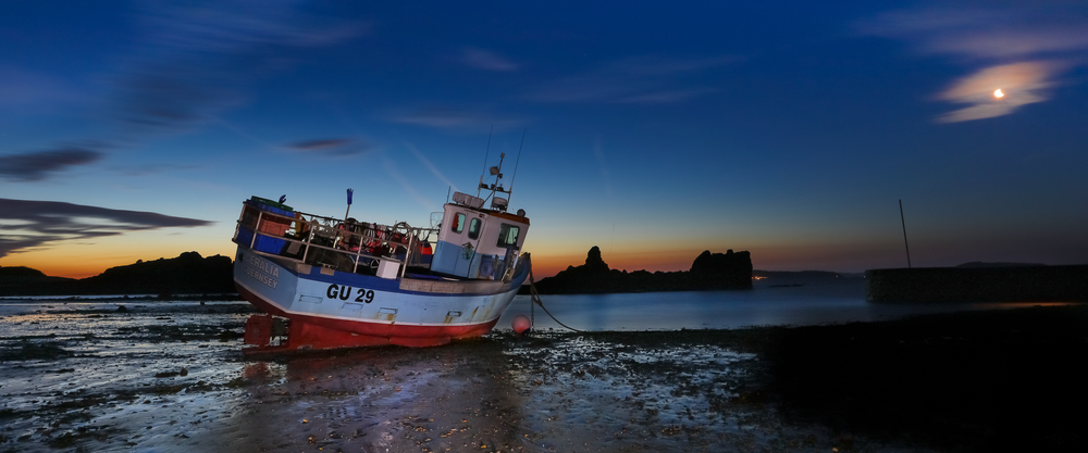 'GU29'....  at Low tide... Bordeaux Harbour as the sunrise approaches....