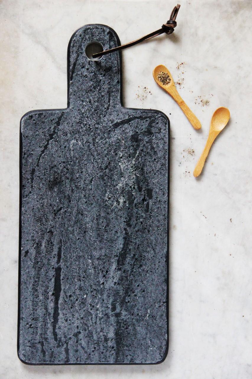 Planche en marbre noir Mathûvû 25,50€