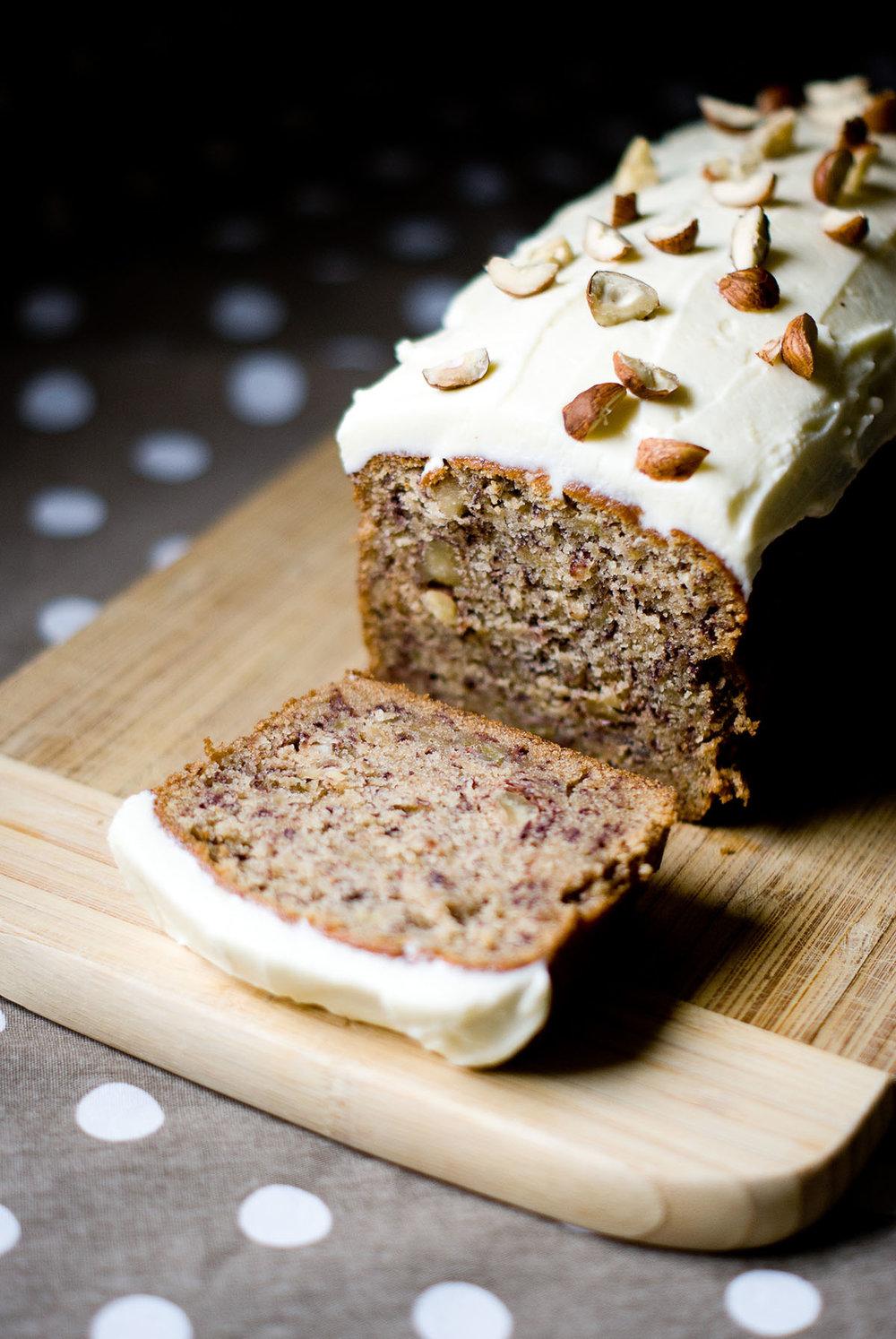 Découvrez la délicieuse recette du Banana Bread aux Noisettes & Cannelle de LilieBakery