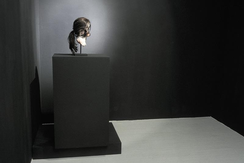 2 - AD2003-001 - Sarah Altmejd - Skol Gallery 2003 - 1.jpg
