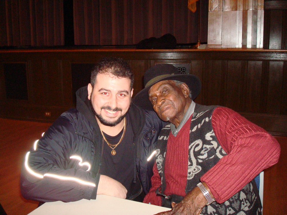 Mikey Jr. & David Honeyboy Edwards at the Trenton NJ War Memorial Building January 2008.JPG