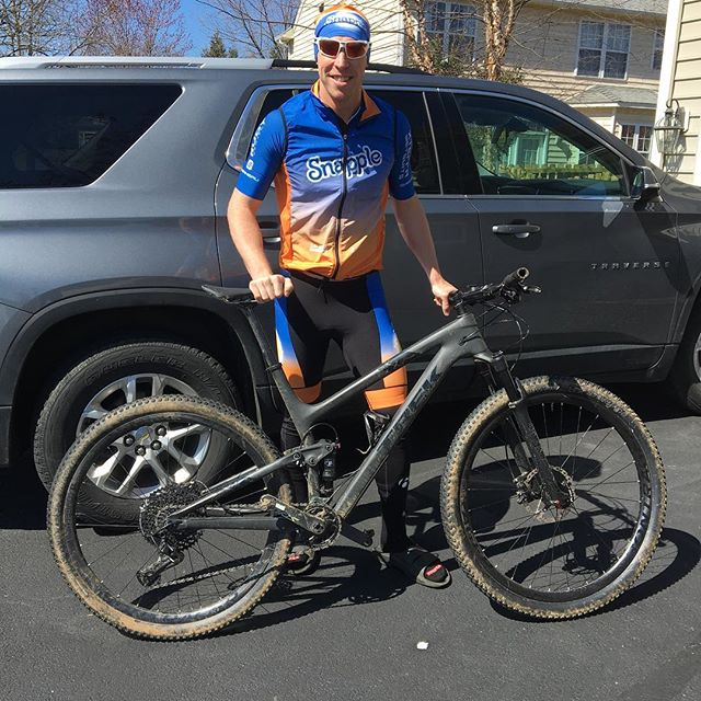 Looking good in my new #snappletriteam kit from @garneau and rocking out on my @trekbikes TopFuel! #snappletriathlonteam #xterraoffroad #mtb #race