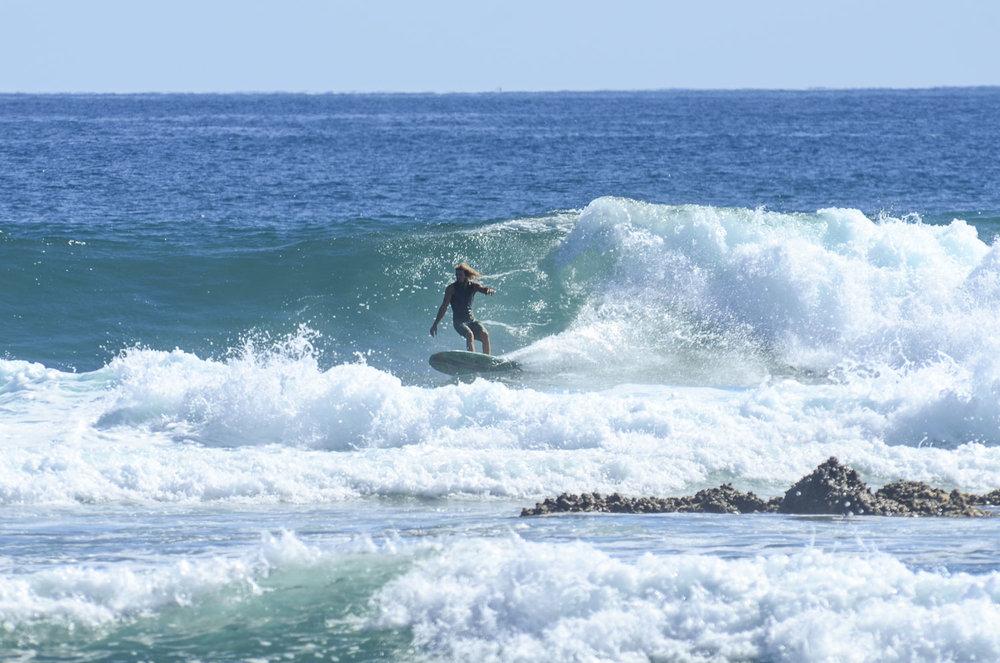 Surfing empty peaks in Abreojos