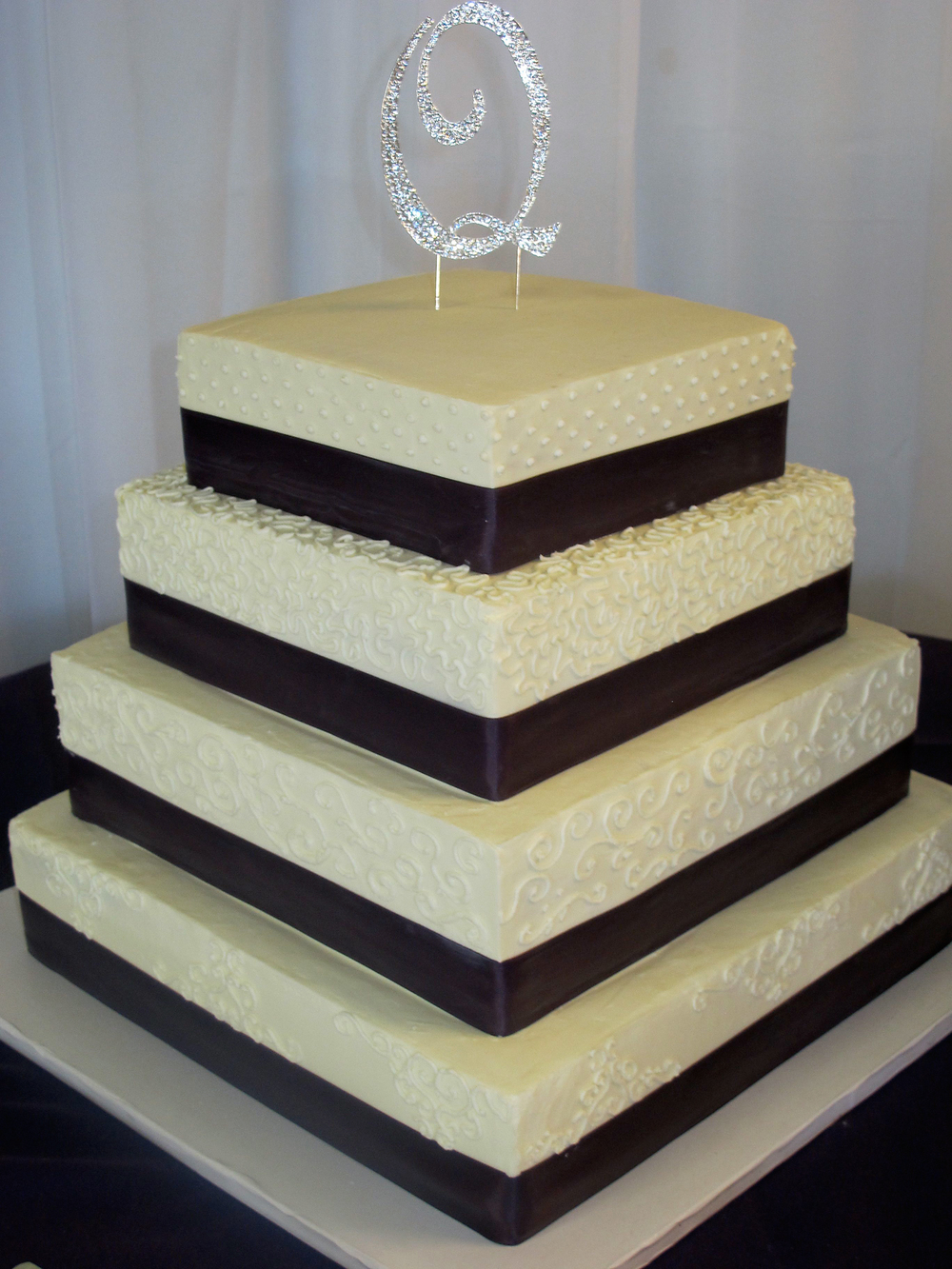 Q-wedding-cake.jpg