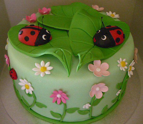 Lady-bug-cake.jpg