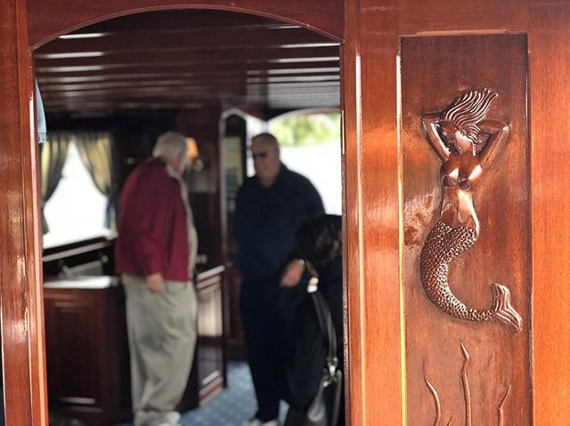Another glimpse from a boat that I worked on a few years ago. What a way to spend a morning with my lovely wife who inspired my carving😉 #thewoodworkerme#woodworkersofinstagram#woodworking#wood#woodisgood#customwoodworking#millwork#architecturalmillwork#woodwork#woodworker#custom#joinery#joiner#layout#furniture#customfurniture#cabinetmaker#howmuchwoodcouldawoodchuckchuckifawoodchuckcouldchuckwood#carving#vacuumbag#curvedwork#l4l#boat#marinewoodworking#marinewoodwork