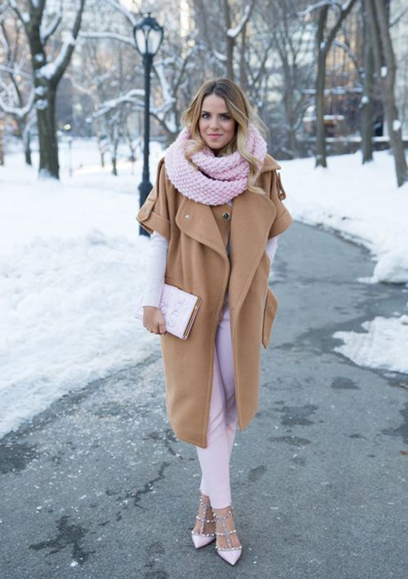 Pink and camel? Yes, please !  We are here  for each and every hue of pink this season (and everyday, really). Get the details at  Gal Meets Glam  !